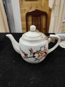 70-80年代,手绘喜鹊登梅小茶壶一把