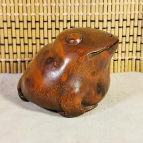 旧藏  紫竹雕金蟾镇尺一个,保存完整,雕工精美细致造型独特优美,包浆浓厚十足皮壳一流完美老道,品相尺寸实拍原物。
