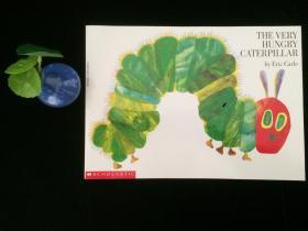 好饿的毛毛虫绘本 纸板洞洞书THEVERYHUNGRYCATERPILLAR英文原版