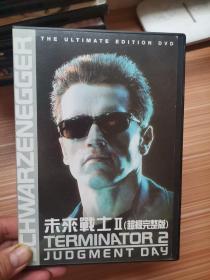 未来战士2    电影光盘一张