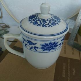 早期,中国制造款。茶杯一只,高13.5㎝