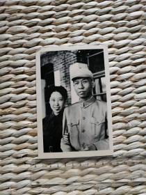 刘少奇主席与夫人王光美合影