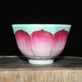 清粉彩莲花六方茶杯