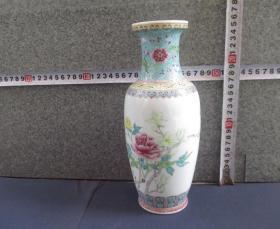 出口创汇期精品:景德镇制手绘牡丹玉兰棒槌瓶