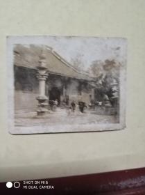 民国浙江杭州葛岭山上天竺寺老照片一张,尺寸为5.4X4.3厘米