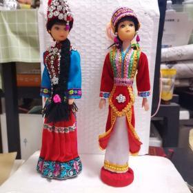 少数民族娃娃(阿诗玛和另一少数民族娃娃)