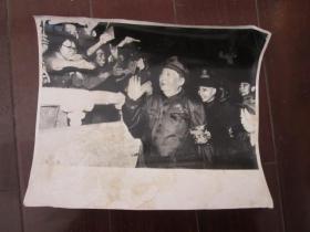 文革老照片:毛主席和林彪同志接见红卫兵(大尺寸)