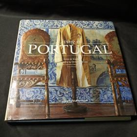 Living in Portugal (New Edition) (Living in... Series)