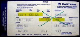 从美国华盛顿到迈阿密位号32A带副券,早期外国登机牌、飞机票甩卖,实拍,包真