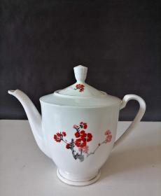 一个漂亮的梅花茶壶-147516