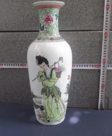 出口创汇期精品:手绘仕女棒槌瓶