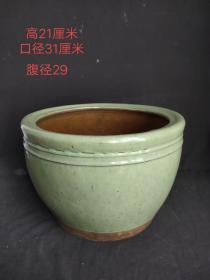 下乡收豆青釉卷缸,文房用品,包浆浓厚,包老包真,尺寸品相如图。