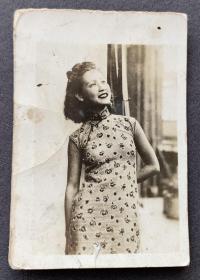 民国时期 旗袍美女银盐肖像照一枚