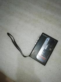 索尼磁带随身听TCM-R2