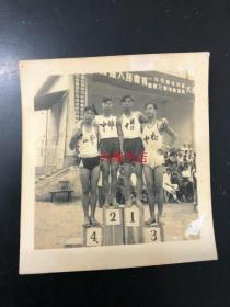 客家梅州体育类老照片:梅县人民庆祝1954年元旦暨第三届体育运动大会,体育运动会获奖合影,松口中学,联合中学,梅州中学,东山中学。