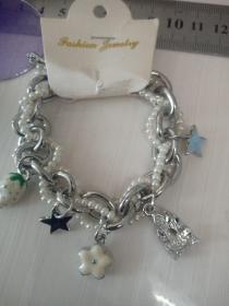 收藏饰品合金手链13 各种造型的合金吊坠,品相保存的极好