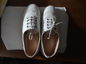 皮鞋,小白鞋