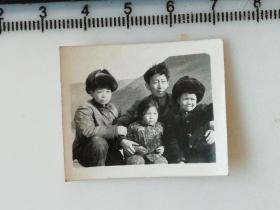 20201213-2 年代老照片 皮帽子小朋友