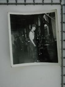 20201213-6 年代老照片 工人师傅 机床生产