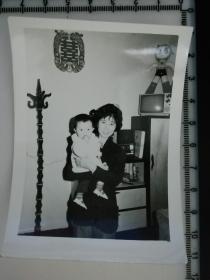20201213-6 年代老照片  居家陈设 铁臂阿特木 电视机
