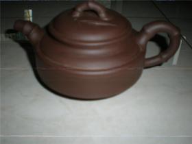 收藏适用名家老紫砂壶:八十年代苗荣制陶老紫泥竹段壶老紫砂壶