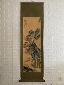 富冈铁斋《赤壁图》木质画盒 檀木轴头 绢本绫裱立轴 富冈 鉄斎 Tomioka Tessai(1837~1924), 字无倦,日本文人画画家,1837年1月25日生于京都,早年一度受著名歌人莲月尼庇护,并深受其出世思想影响。