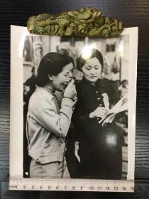 【老照片】中国妇女运动的领袖、首任司法部长史良照片一帧
