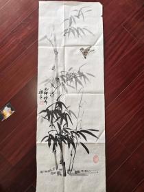 珠海老年书画研究会会员滕祖龄国画《竹雀图》,99cm*34cm。