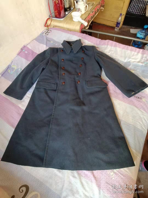 上世纪70年代老海军呢子大衣军大衣经典收藏( 3号。    肩宽约50厘米。大衣长度110厘米)
