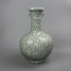 哥窑竹节直口瓶