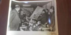 新华社新闻展览照片《邓小平副总理访问日本》照片17张。【全套23张】