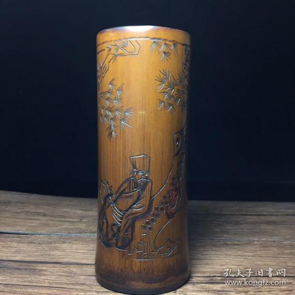 竹雕笔筒,高14.5公分,口径6公分,特价380