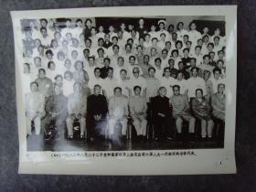 老照片:【※1983年,党和国家领导人邓小平陈云胡耀邦彭真,接见六界人大全体代表※】