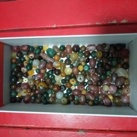 200多个珠子,(大部分是玛瑙)多单一邮费