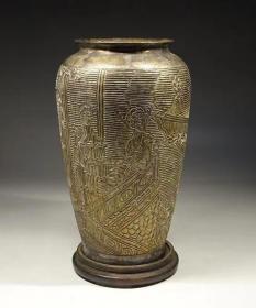 民国时期雕花仕女图花瓶(白铜制镀银)高24cm口寛14cm重1500克