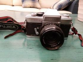 七八十年代老相机seagull·df-1(上海海鸥牌)一件,内有胶卷,品如图,包快递发货。