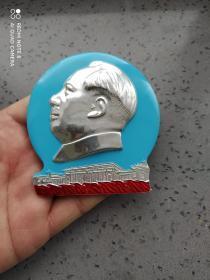 文革时期:毛主席人民大会堂彩色大异形像章