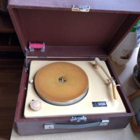 中华牌206型四速电唱机 1973年9月生产 序号275001 电压220-110伏