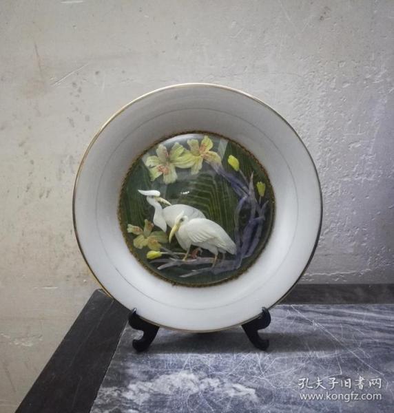 精美雅致的文革花鸟纹贝雕礼陵瓷盘