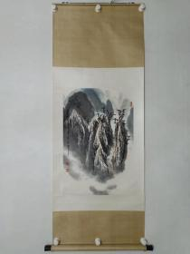 保真书画,著名军旅画家李宏志先生山水画《青山无尽》一幅,原装裱立轴69×45cm
