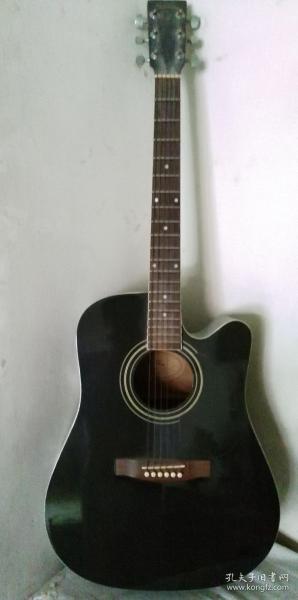 国产星辰牌吉他。