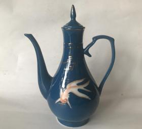 七八十年代老瓷酒壶蓝釉描金手绘金鱼老酒壶怀旧老物件道具摆设