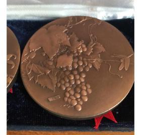 大铜章,稀世珍宝~宋人画选一组,2枚。