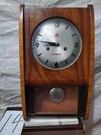 挂钟  555  中国制造   . 木制机械挂钟