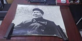 大幅《毛主席》照片