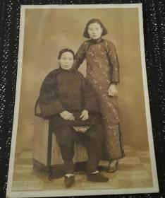 民国大尺寸母女合影老照片