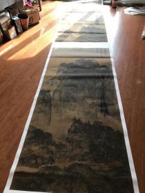 范宽 溪山行旅图有跋。尺寸103.3*235.83厘米。宣纸水墨原色复制。