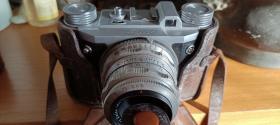 """上世纪五十年代德国""""altix""""照相机(原皮盒,蔡司镜头)"""