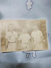 民国老照片(内有京剧演员,琴师黄金懋学生时代照片尺寸11.2x7.5cm有英文签名