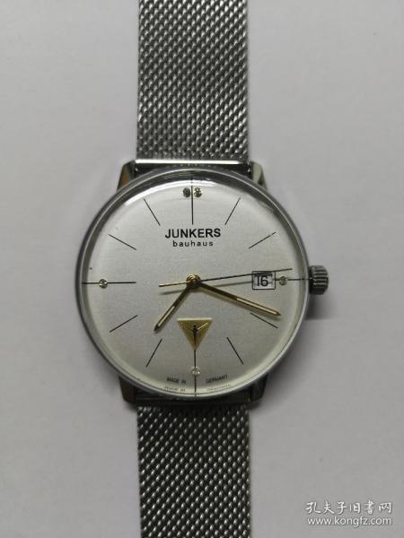 德国荣克士Junkers手表全新 德国原装手表,原装表带,表盘直径34mm。